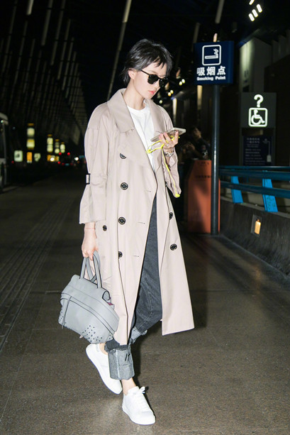 刘诗诗启程前往米兰时装周