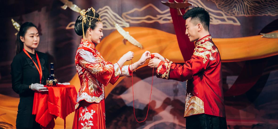吴敏霞张效诚大婚 结束八年恋爱长跑