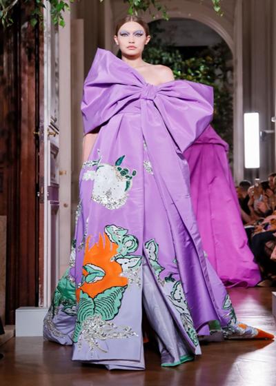 Valentino高定,女人的每一条裙子都是高贵的艺术品