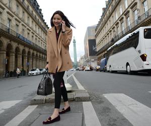 OL时尚博主MV观战 巴黎时装周最in街头